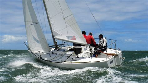 Perry Design Review: J/24 - boats