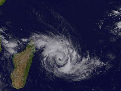 Cyclones in Mauritius - Mauritius Attractions